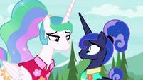 Celestia and Luna smile in agreement S9E13