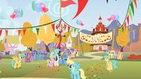 Ponies at the finish line S1E13