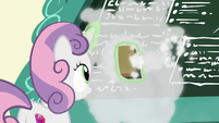 Sweetie Belle cleaning the chalkboard S8E12