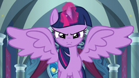 Twilight threateningly flares her wings S9E24