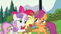 Cutie Mark Crusaders have a muddy group hug S7E21