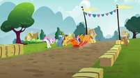 Scootaloo racing down the track S6E14