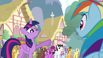Twilight pointing at Rainbow S4E12