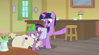 Twilight sees Dusty Pages on stage S9E5