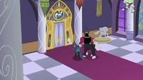 Villains approach the throne room doors S9E17