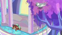 Yona sings a sad song at the treehouse S9E7