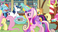 Cadance watches the ponies enjoy themselves S5E19
