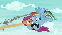 Rainbow Dash saves Scootaloo S8E20