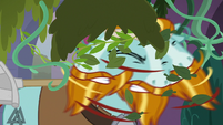 Rockhoof shakes plants out of his face S8E21