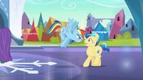 Stallion begins to back away S3E2
