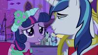Twilight talking to Shining Armor 3 S2E26