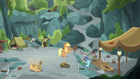 Applejack approaching the archaeology team S7E25