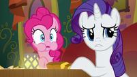 Pinkie and Rarity listen to Coriander and Saffron argue S6E12