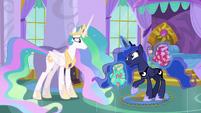 Princess Luna -like regular pony tourists- S9E13