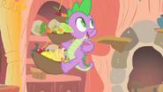 S01E24 Spike i owoce