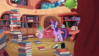 Twilight levitating a book S4E03