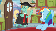 """Zephyr """"graduated from mane therapy training"""" S6E11.png"""