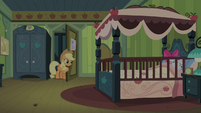 AJ at the door again S4E17