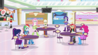 Mane Seven gather together in the food court EGS3