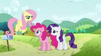 Pinkie Pie neck twist S02E19