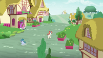 Skeedaddle galloping into Ponyville S9E12