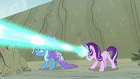 Starlight blasts the maulwurf with magic S7E17