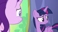 Twilight looking to her fellow princesses S7E1