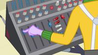 Micro Chips working sound design EG