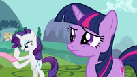 Twilight and Rarity -mishap at Sweet Apple Acres- S03E10