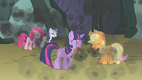 Twilight and friends coughing smoke S1E07