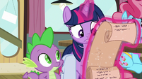 Twilight looks at her charts once more S9E16