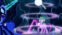Twilight uses her magic beam on the Cutie Map S5E26