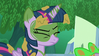 Twilight with her eyes closed S5E26