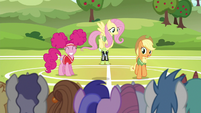 Applejack --all the unicorns have to do-- S6E18