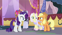 Applejack -I don't think that word means what you think it means- S7E9