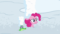 Pinkie Pie worried and covered in snow S7E11
