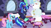 Princess Luna getting a makeover S9E13
