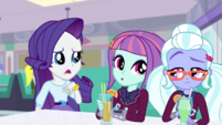 Rarity sits next to Sunny and Sugarcoat EGS1