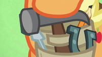 Applejack arms herself with a hammer S6E10