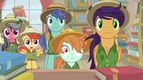 Daring Do fans with eyes open wide S9E21