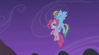 Rainbow Dash saves Pinkie Pie S1E02