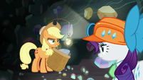 Rarity disapproves of AJ's gem catching S9E19