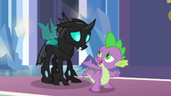 S06E16 Spike przedstawia Thoraxa jako przyjaciela