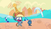 Smallfry appears before Rainbow Dash PLS1E2a