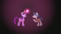 Stygian talking to Twilight Sparkle S7E26