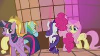Twilight Sparkle -you know something, girls-- S5E9