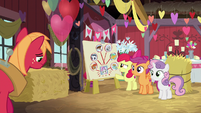 Cutie Mark Crusaders happy to see Big Mac S8E10