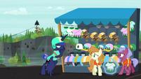 Luna stumbles nauseously to gift shop S9E13