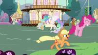 Main ponies having fun in Celestia's flashback S7E1