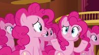 S03E03 Klon Pinkie wzrusza ramionami